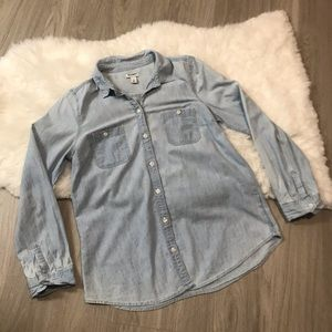 Old Navy Classic Light Chambray Long Sleeve Top M